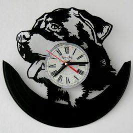 Ceas traforat manual din vinil – labrador
