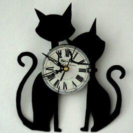 Ceas traforat manual din vinil – doua pisici